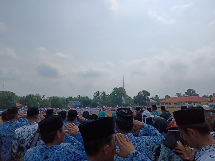 MTs N 5 Bungo Ikuti Upacara Peringatan Kemerdekaan Indonesia ke-74